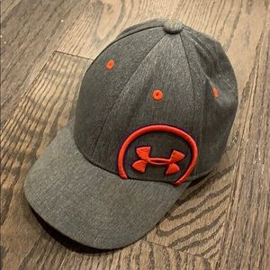 Under armour youth fitted hat